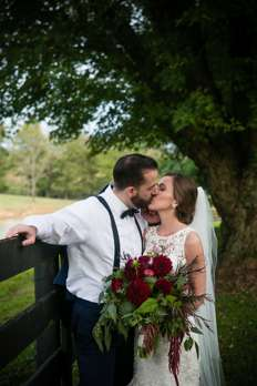 Bride & Groom at Kentucky wedding