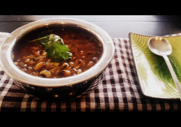 Cooked Black Eyed Peas (Chora)| www.warriorinthekitchen.com