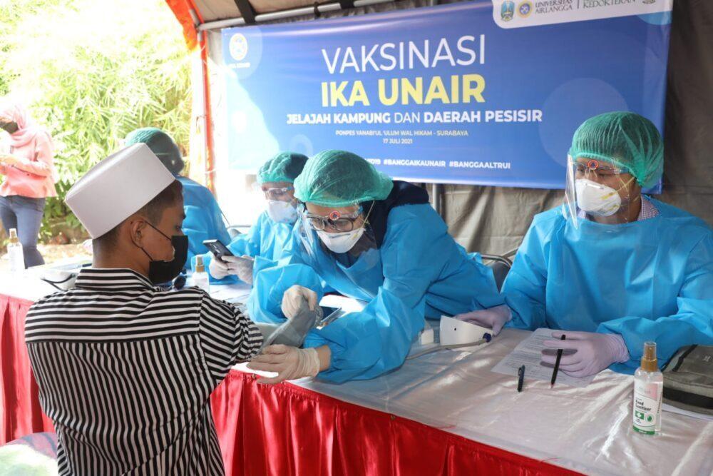 Apresiasi Pelaksanaan Vaksinasi IKA Unair di Pesantren