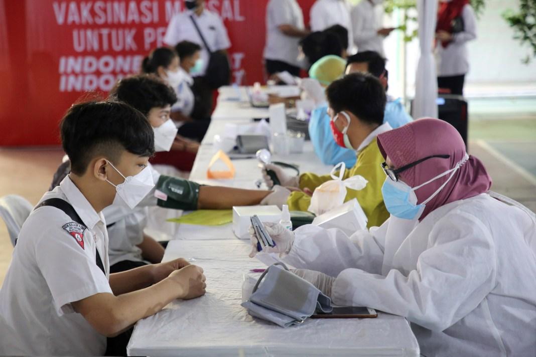 Ribuan Pelajar Surabaya Vaksinasi Massal Serentak se-Indonesia