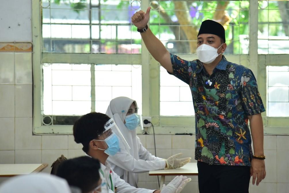 Peserta Didik MBR Gratis, Jika Ada Pungutan Sekolah Laporkan Wali Kota