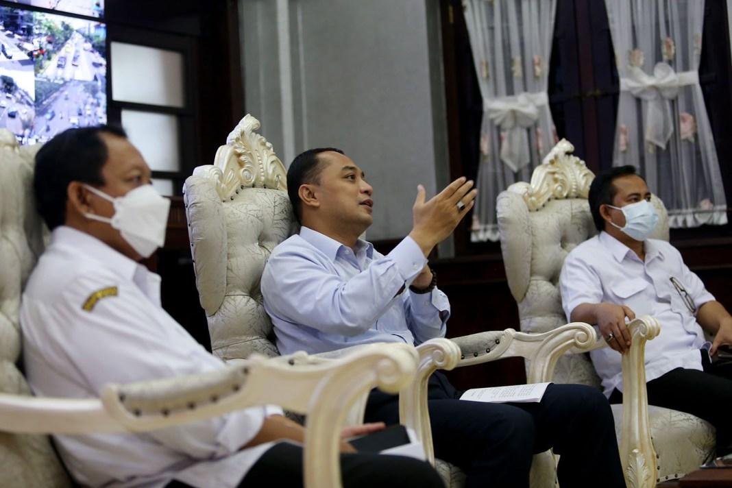 Lepas Atlet Surabaya Menuju PON Papua, Eri Beri Target 54 Medali Emas
