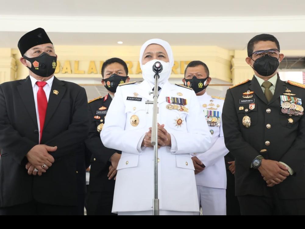 Gubernur Khofifah : Terimakasih Kontribusi TNI Tangani Pandemi Covid-19 Luar Biasa