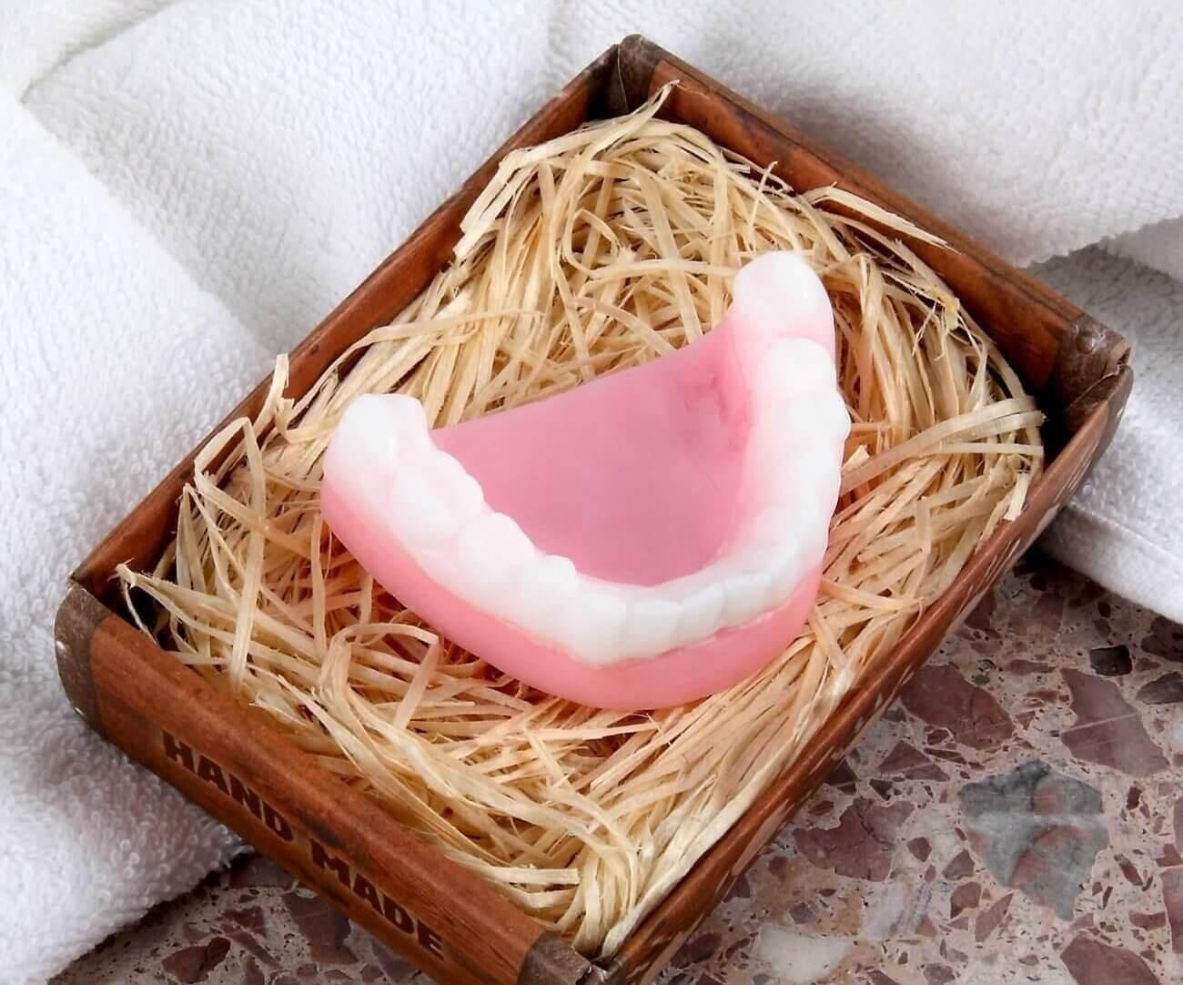 Zahnprothesen Seife