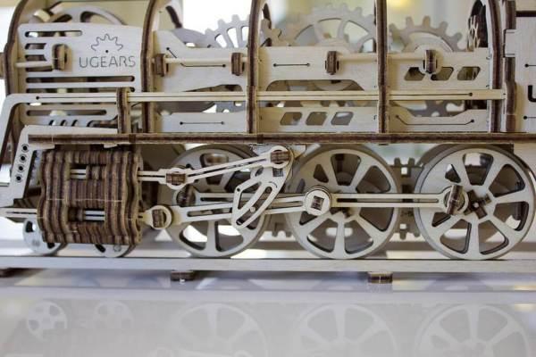 Holzbausatz - besten Holzmodell kaufen - Bausatz aus Holz - Geschenkidee und Männerspielzeug - Lokomotive aus Holz 3