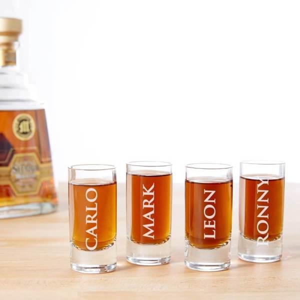 19 4 personalisierte Schnapsgläser - personalisierbare Shotgläser im edlen Design - Shot Becher - Tequila Gläser - Schnaps Becher - Stamperl - Pinneken - Pinnchen - Schott Glas - Gläser Set