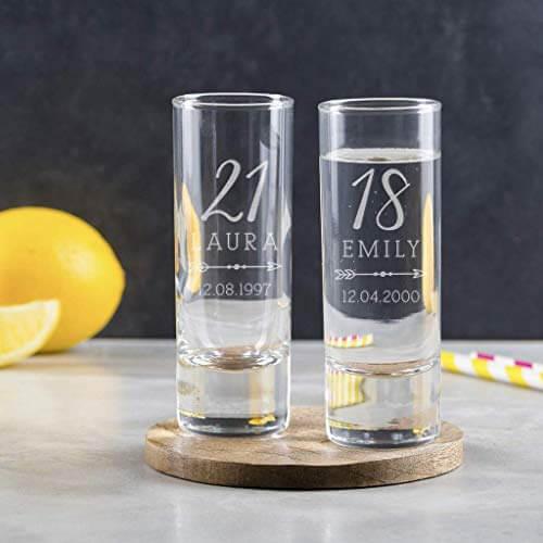 34 personalisiertes Schnapsglas zum Geburtstag - personalisierbares Shotglas - von Hand graviert - Shot Becher - Tequila Gläser - Schnaps Becher - Stamperl - Pinneken - Pinnchen - Schott Glas - Gläser Set