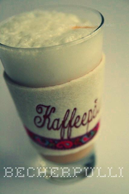 DIY Becherpulli für meinen Latte macchiato | DIY Bechermanschette aus Filz | Kaffeepäuschen | waseigenes.com DIY Blog