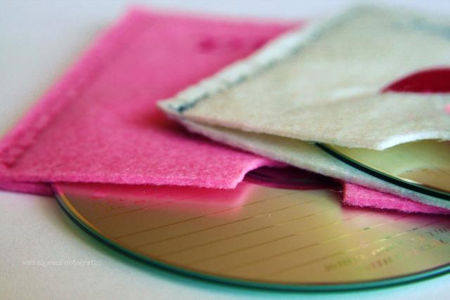 DIY CD Hülle aus Filz nähen und besticken | DIY Geschenkidee | waseigenes.com DIY Blog