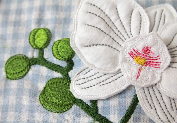 Gestickte Blumendeko | Gestickte Orchideen | Orchideen im Rahmen | waseigenes.com DIY Blog