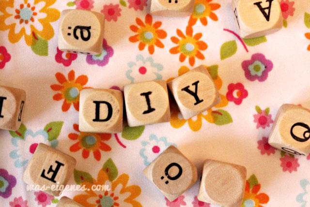 DIY Buchstaben-Untersetzer basteln aus Buchstaben Würfeln | waseigenes.com DIY Blog