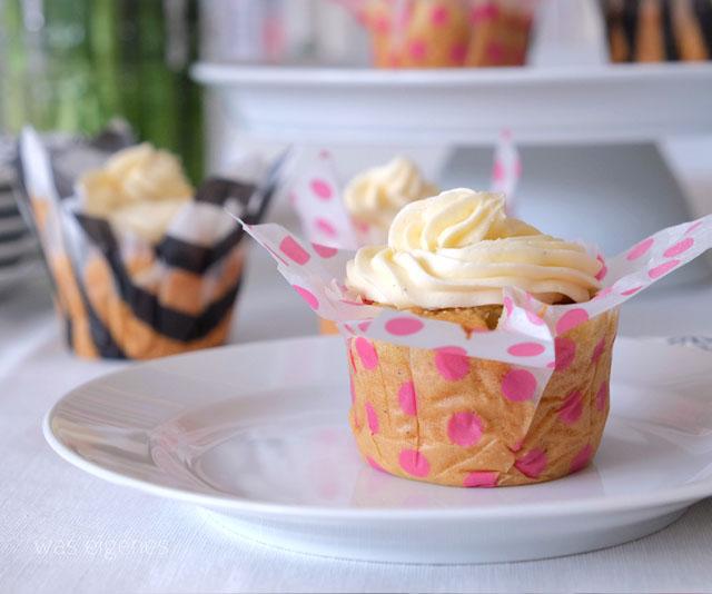 Rezept Eierlikör Cupcakes | Muttertag | DIY Cupcake Tulpe aus Seidenpapier basteln | waseigenes.com