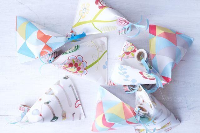 DIY: Dreieckige Papiertüten falten & nähen.