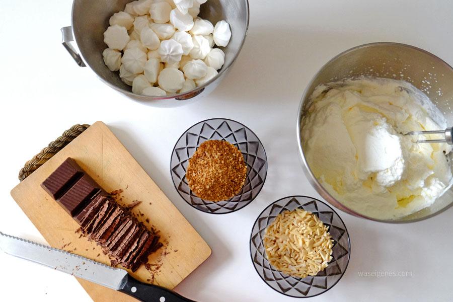 Rezept: Grillage Torte | Baiser, Schlagsahne, Mandelstifte, Krokant, Zartbitter Schokolade | waseigenes.com