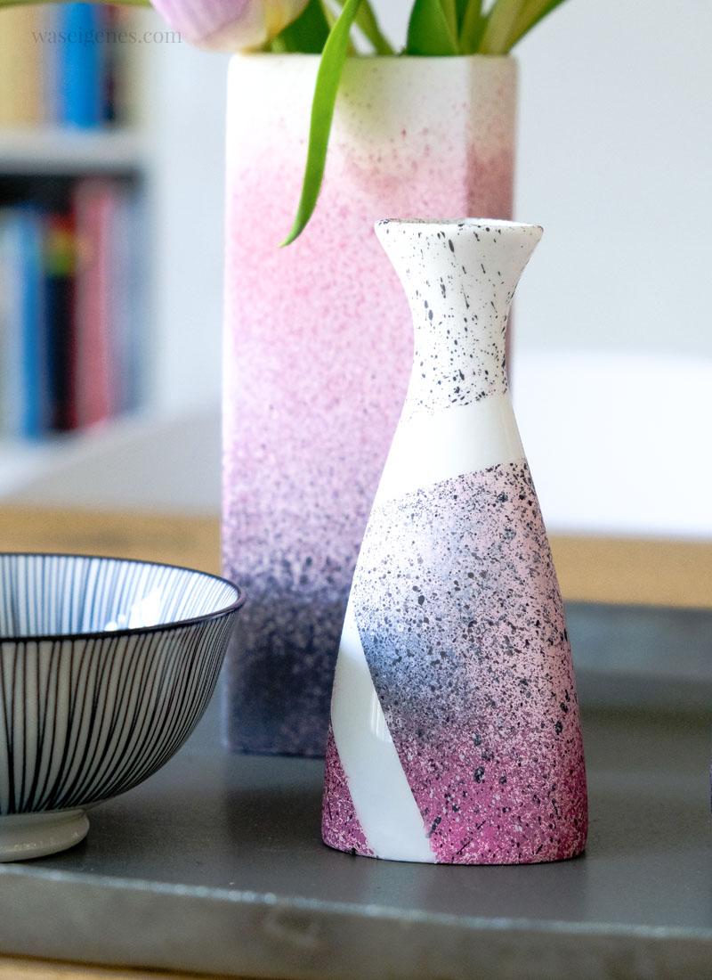DIY Vasen mit Kreidefarben zum Sprühen pimpen | waseigenes.com