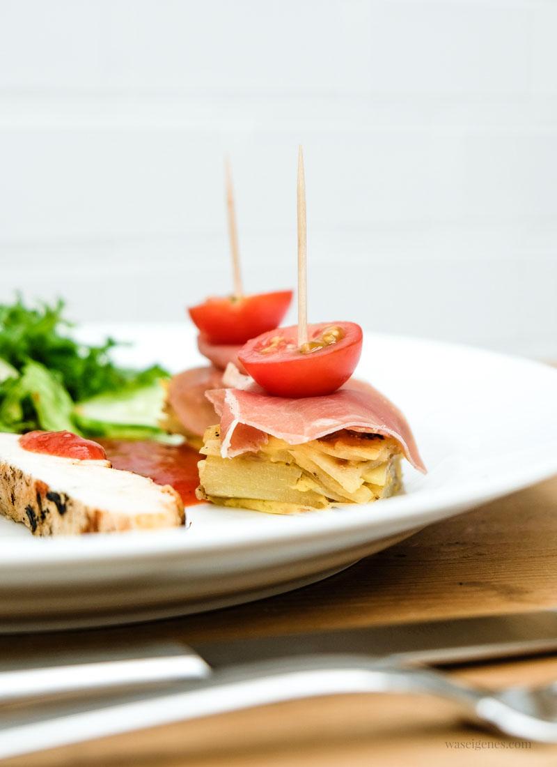 Rezept: Tortilla Würfel mit Serrano Schinken und Honigtomaten | waseigenes.com