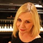 Gowen Maribeth with piano