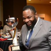 Hezekiah accepting NNPA Torch Award (Photo by Worsom Robinson)