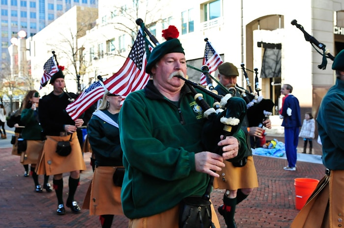 There was awesome bagpipe music for the finish of the race. (Potomac River Running)
