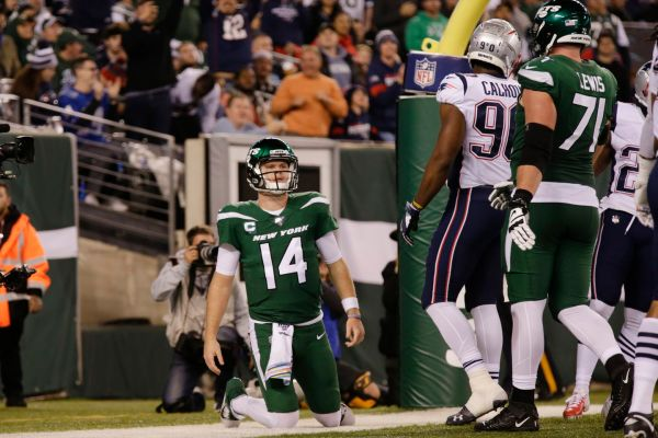 Patriots vs. Jets: New England maintains a huge lead as turnovers pile up for Sam Darnold