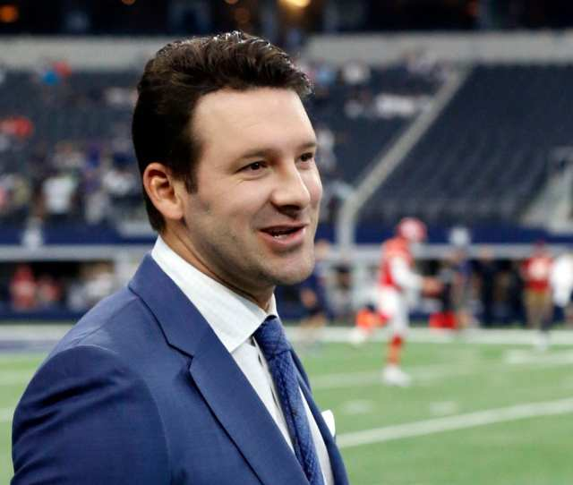 Tony Romo The Former Dallas Cowboys Quarterback Has Become A National Sensation In The Announcing Booth Michael Ainsworth Ap