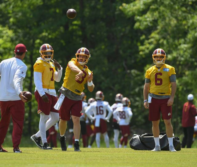 Case Keenum And Dwayne Haskins Kick Off Redskins Qb Competition
