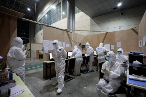 WHO experts head to Wuhan, epicenter of the coronavirus outbreak, as cases continue to climb
