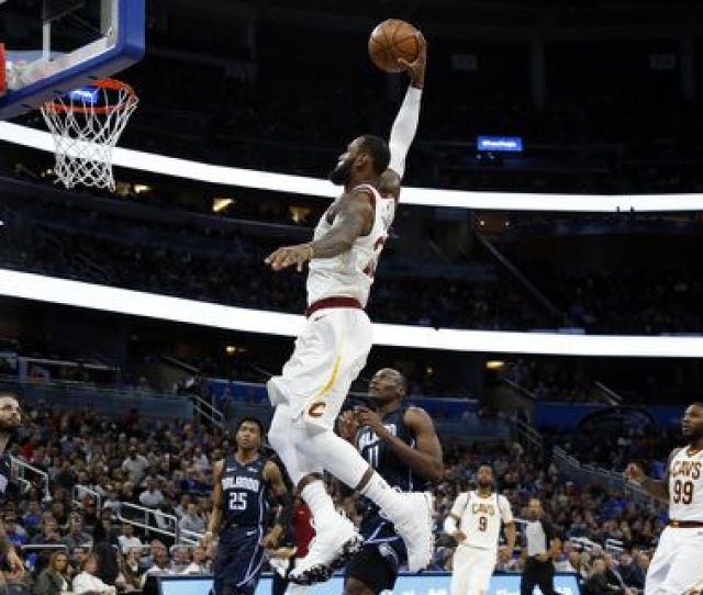 Lebron James And The Cleveland Cavaliers Are Title Contenders And Among The Favorites To Win The Eastern Conference Again Kim Klement Usa Today