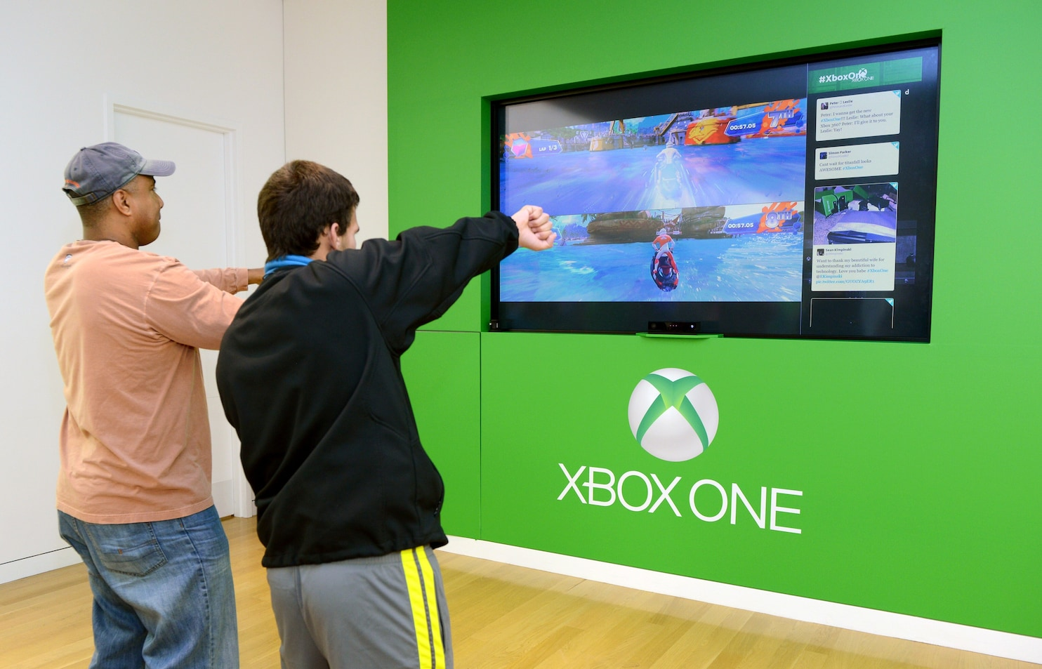 Xbox One Matches PlayStation 4 In Launch Day Sales Users