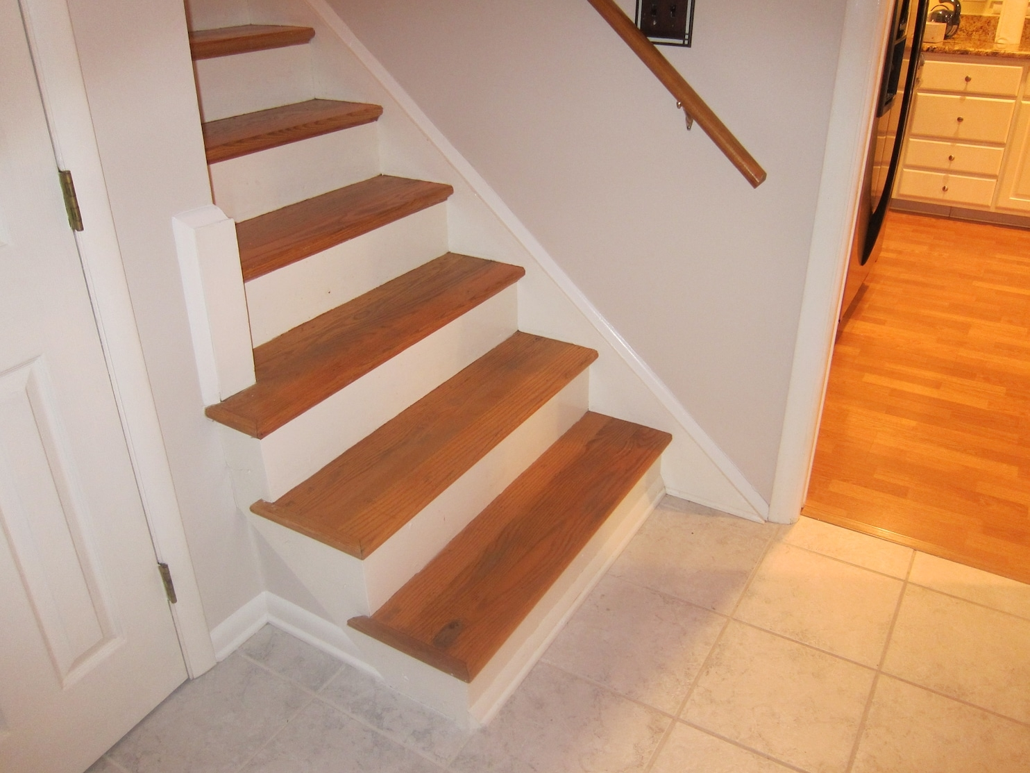 How To Make A Tricky Staircase Safe For Children The Washington Post   Split Level Stair Railing   Electrical Conduit   Wood   Julia   Entryway   Tri Level