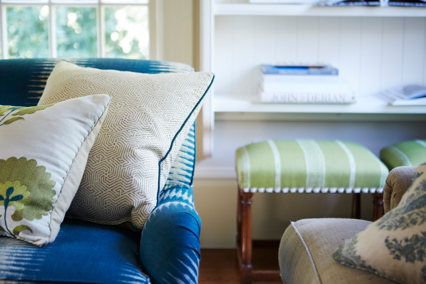 rules for throw pillows that mountain