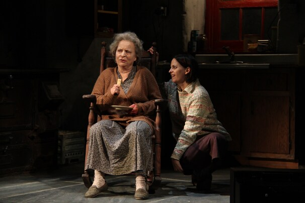 "(Danisha Crosby) - Sarah Marshall as Mag Folan and Kimberly Gilbert as Maureen Folan star in Round House Theatre's production of ""The Beauty Queen of Leenane."""