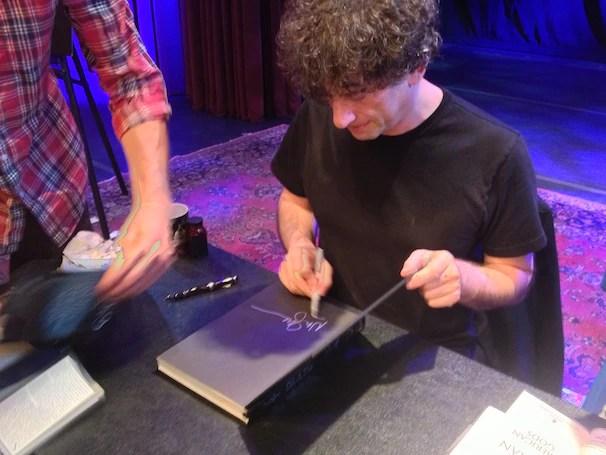 Neil Gaiman signing