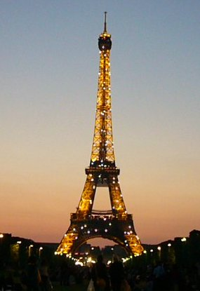 Paris2010Eiffelturm.jpg