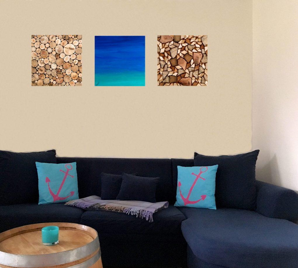 Couch mit 3 Bilder aus Holz und Acryl