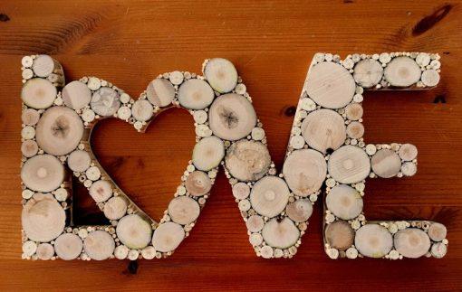 Love aus Treibholzscheiben