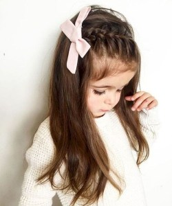 Pretty long hairstyles with braid hair and ribbon side
