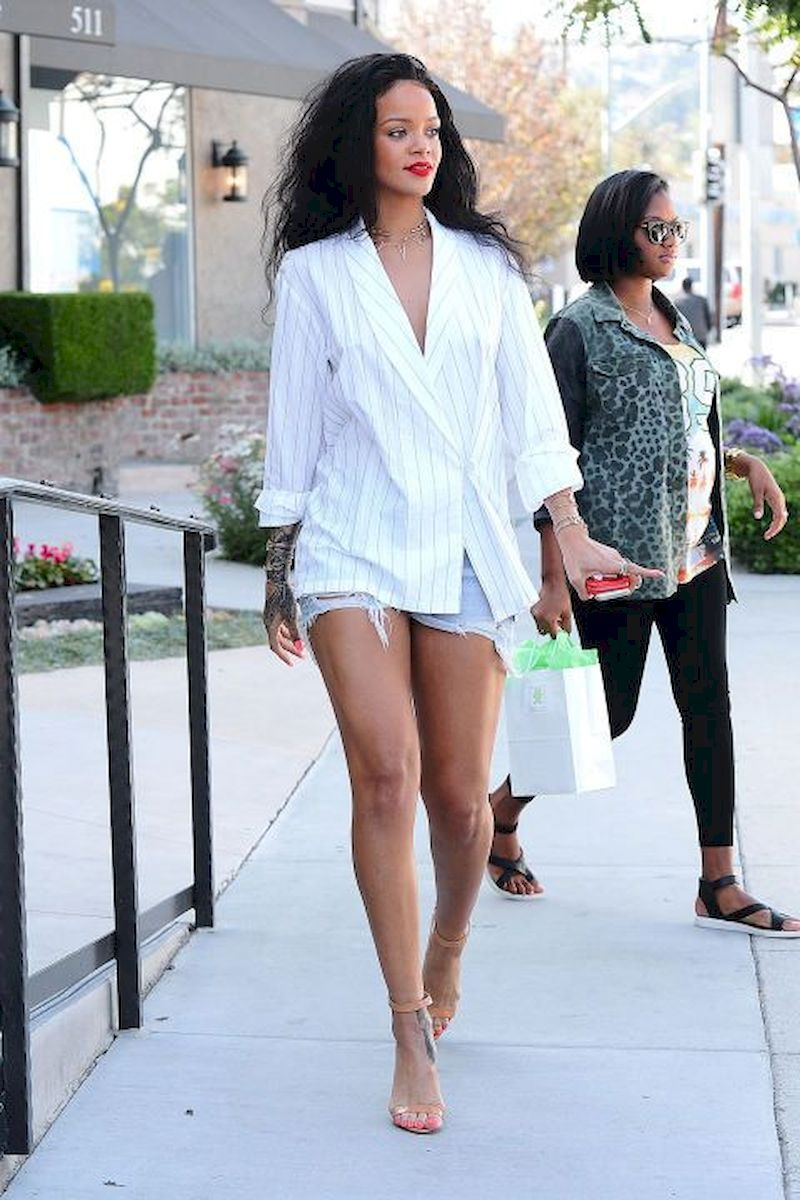 Casual clothes rihanna with white shirts and short pants