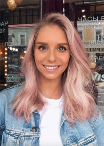 Spring hair for women with wavy pink blonde hair