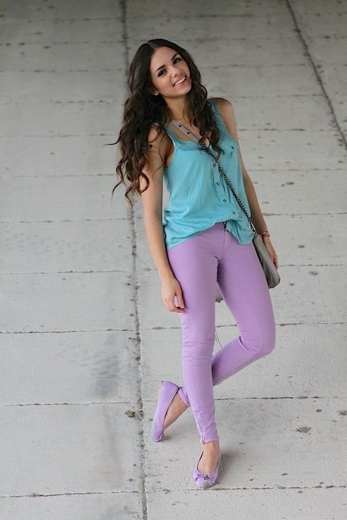 Spring outfit with purple jeans and blue sky top