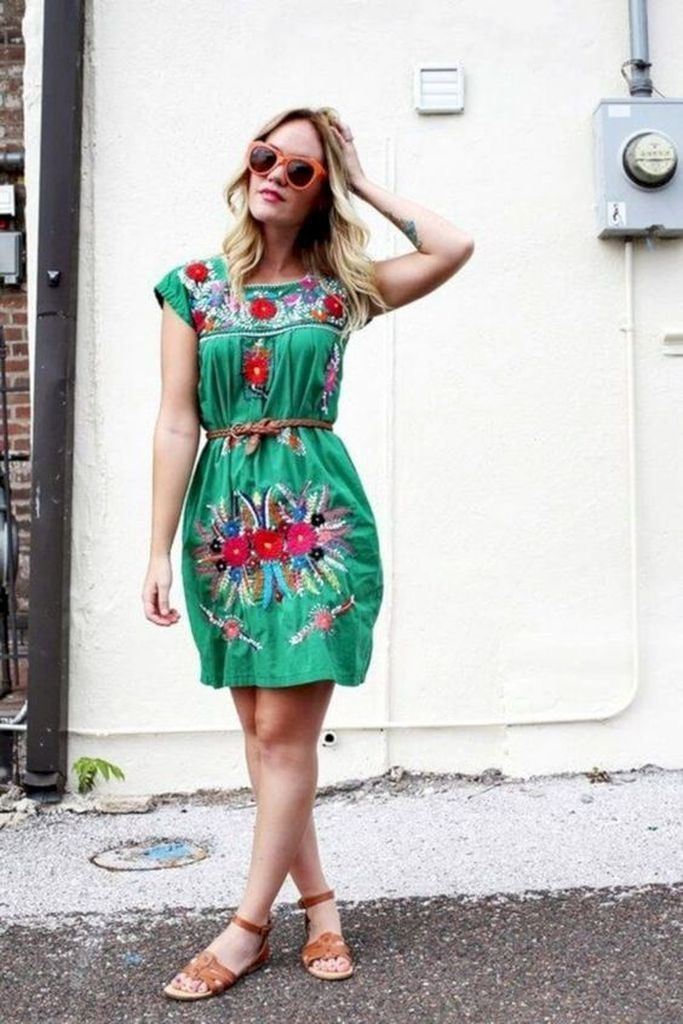 Embroidered dress with green color