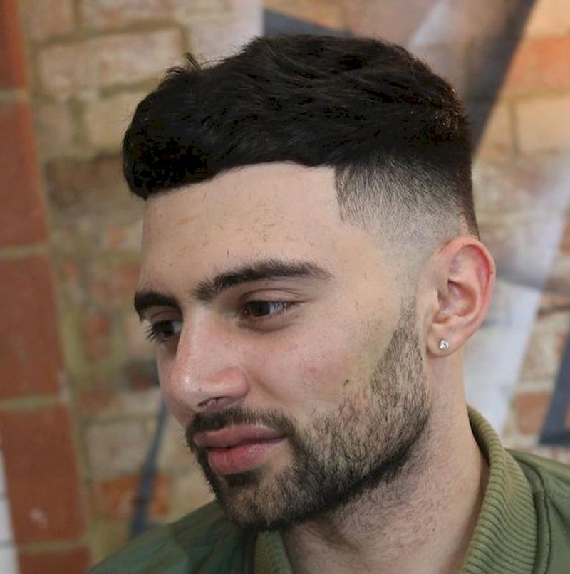 Haircuts for men with thick hair and thin sides