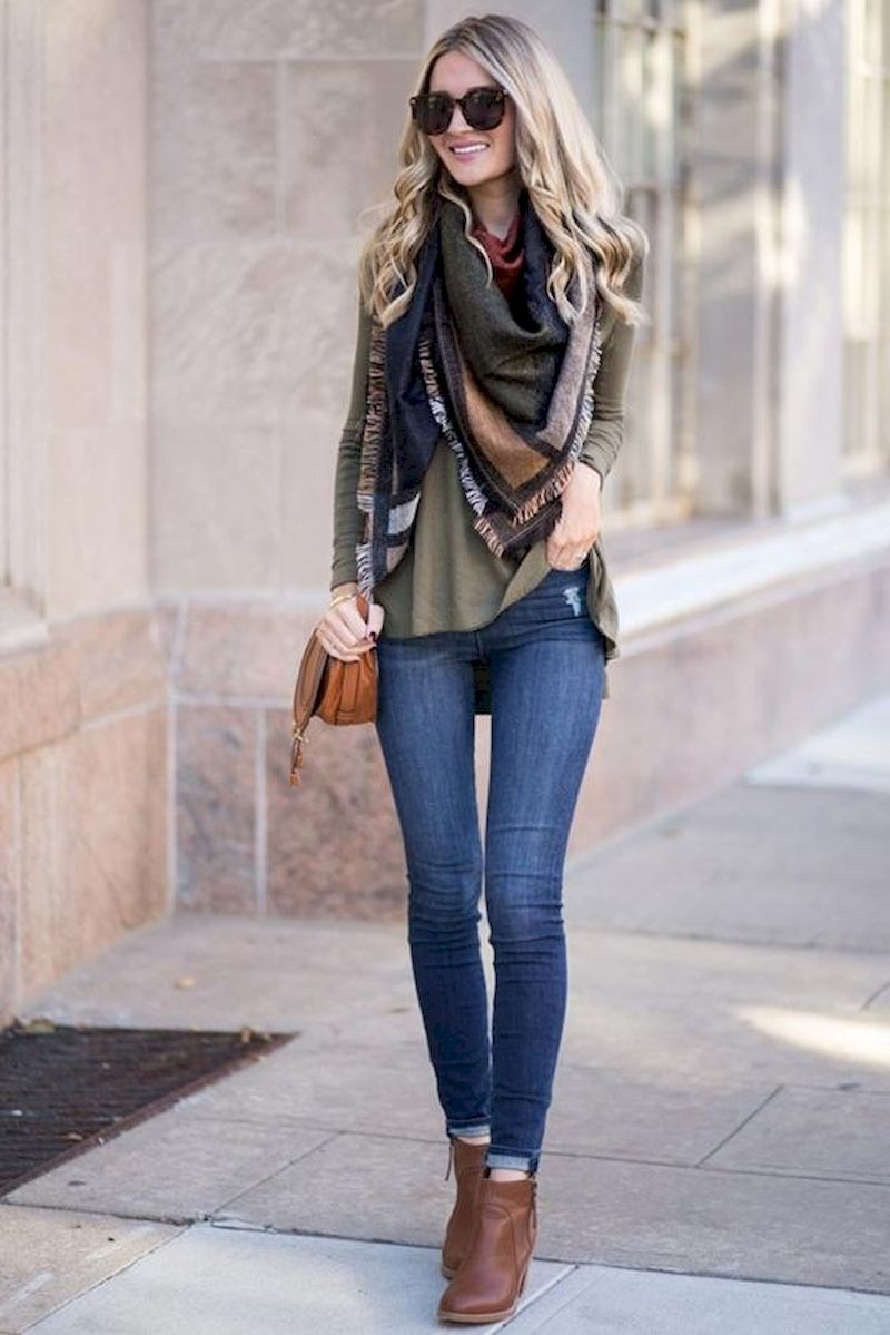 Casual outfits with jeans and ankle boots