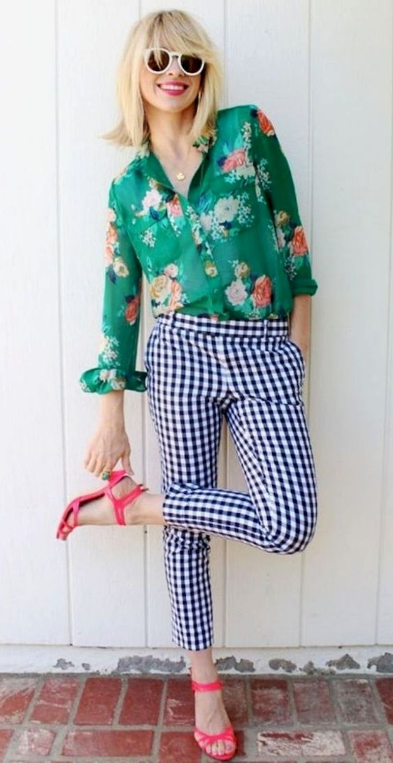 Spring outfit inspiration with floral shirt and plaid pant