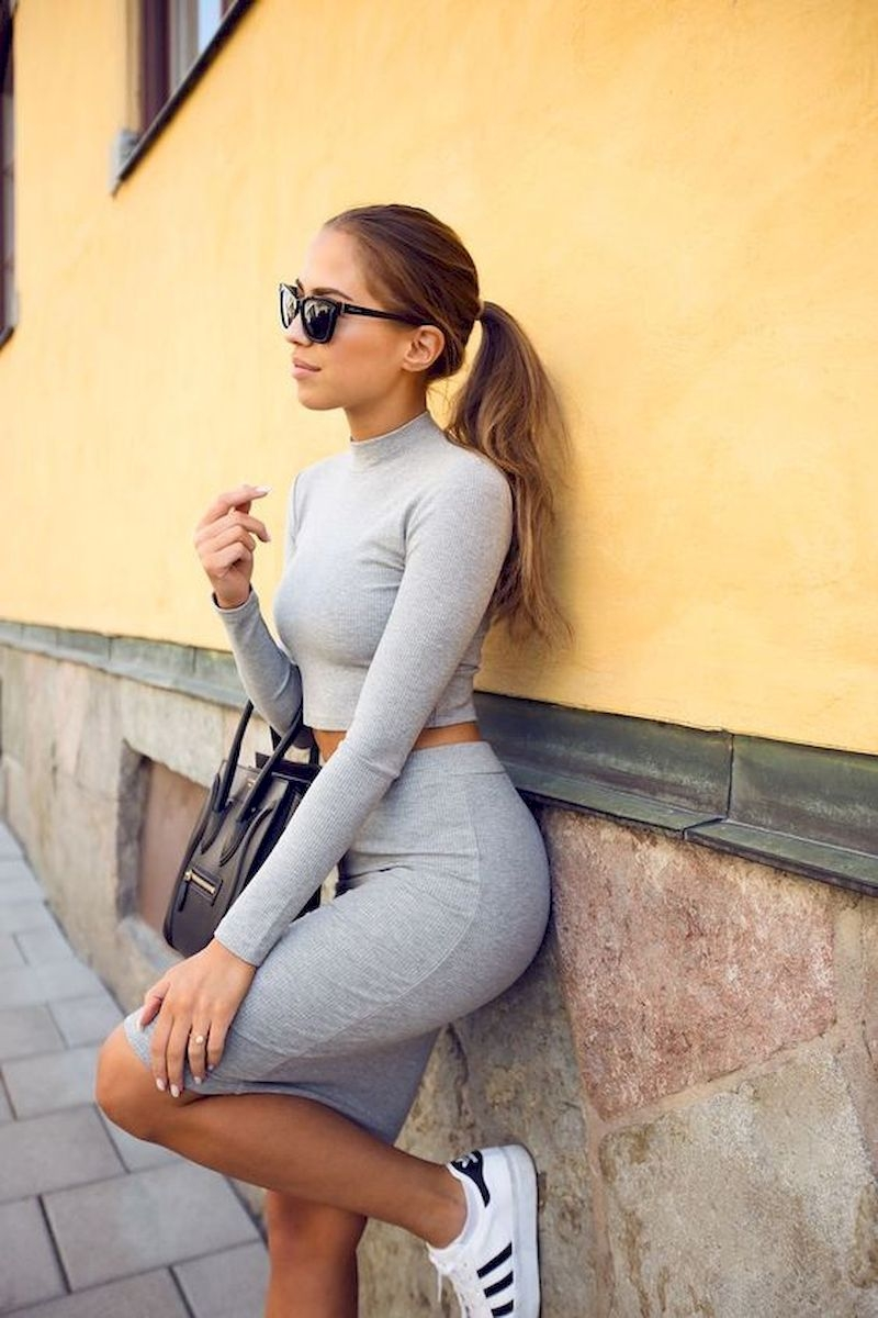 Sporty outfits for school with short grey skirt