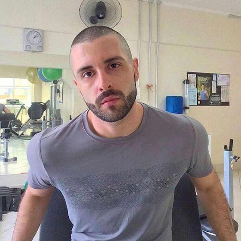 Hairstyles for bald men with a short upper side of 1 mm