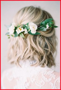 Best 50 Wedding Short Hairstyles with Flowers