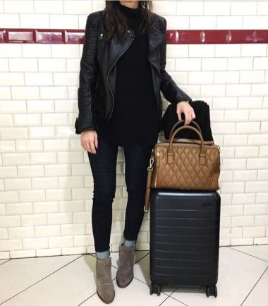 51 Fall Travel Outfit Ideas For You Who Always On The Go (23)