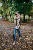 51 Fall Travel Outfit Ideas For You Who Always On The Go (41)
