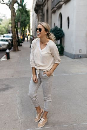 51 Fall Travel Outfit Ideas For You Who Always On The Go (42)